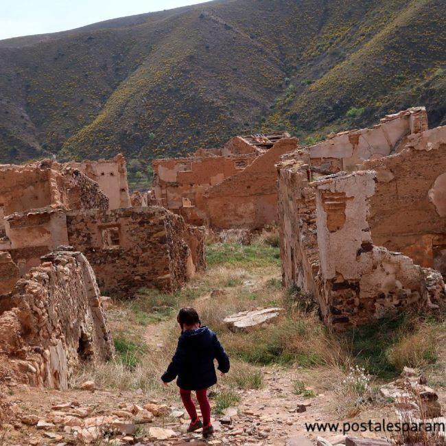 Villanueva pueblo abandonado - Postales para Mamá