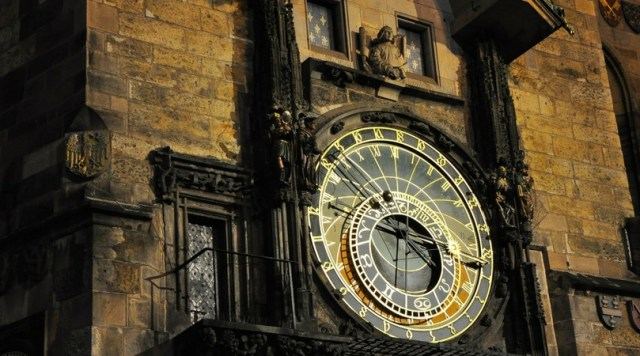 36 Hours in Image of Clock