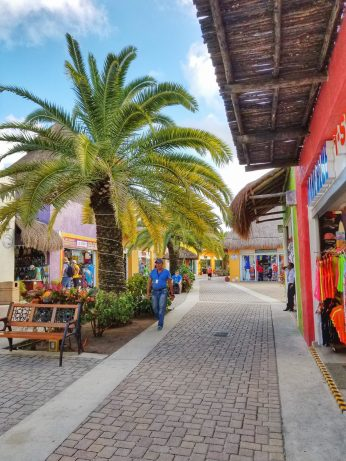 Cozumel port shops