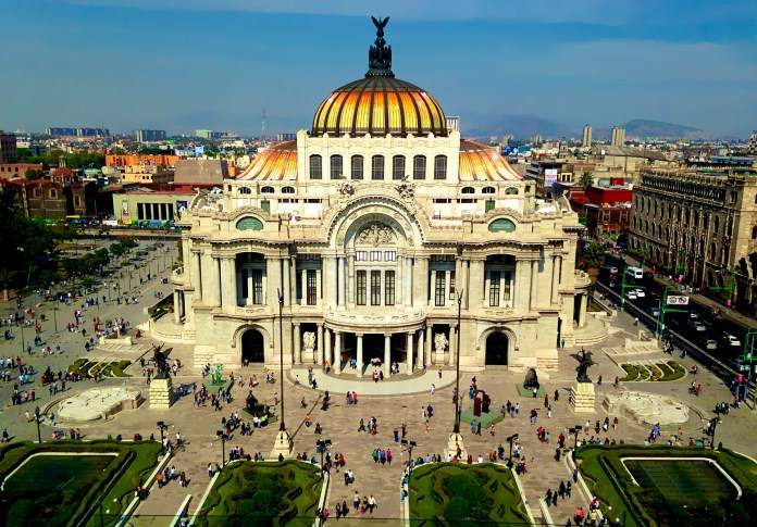 beautiful architecture in Mexico City