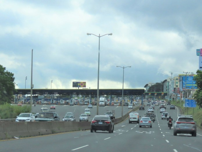 toll booths in Costa Rica