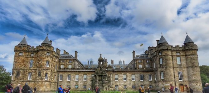 Palace of Holyroodhouse Tour: Royal Experience