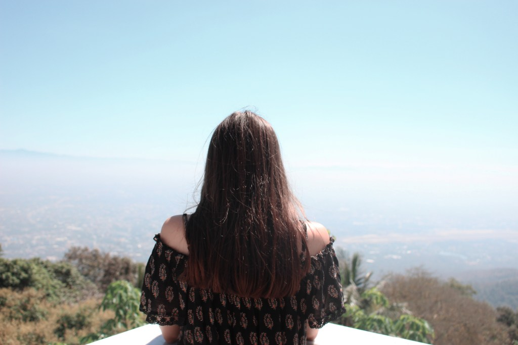 10 Tips for Women Traveling Alone For The First Time