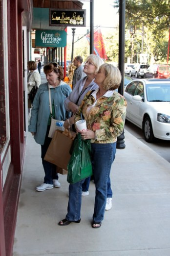 More shopping on Front Street