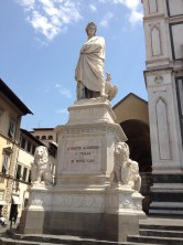 Dante elegantly reigns over Piazza di Santa Croce