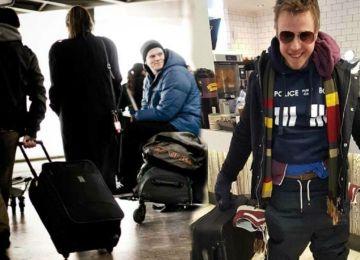"""Μπορώ να φορέσω 60 μπλουζάκια για να μην πληρώσω """"αποσκευές"""" στο αεροπλάνο;"""