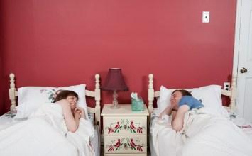 """""""Αγάπη μου, τι θα έλεγες να κοιμόμαστε σε διαφορετικά κρεβάτια;"""""""
