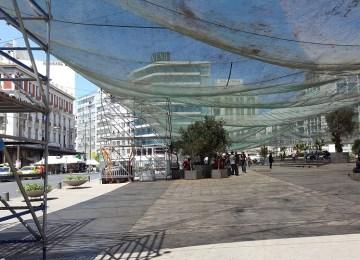 Ένα τεράστιο τσαντίρι στην πλατεία Ομονοίας