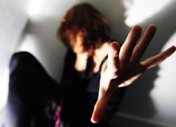 Εσύ θα μπορούσες να ζεις με αυτόν τον φόβο; Μια συγκλονιστική κατάθεση ψυχής για το τραύμα της θυματοποίησης