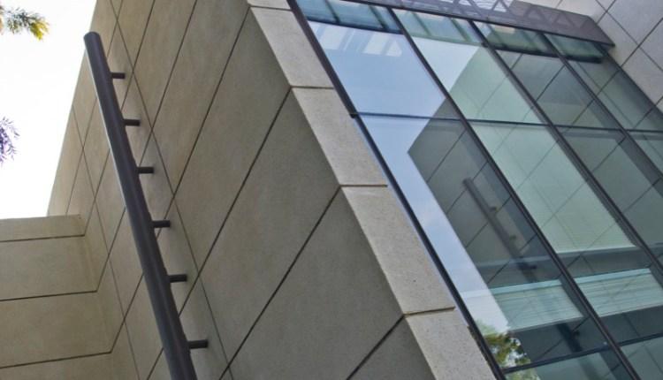Akshat Bhatt – Architecture DisciplineB23 C- Hybrid Columns, Highperformance glass and washed stone aggregate