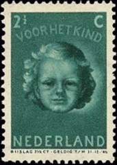 NVPH 445 - Kinderzegel 1945