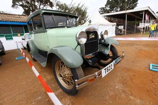 This Ford won again, it seems to be a very lucky car. Image credit _ CBA Concours. Image from https://www.facebook.com/timeformore/photos/pcb.926835684038314/926835350705014/?type=3&theater