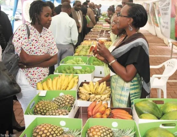 Women traders in East Africa. Image from http://www.newtimes.co.rw/section/article/2015-10-19/193605/
