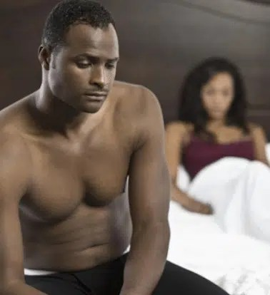 Couple in the bedroom. Image from http://ow.ly/YS3kf