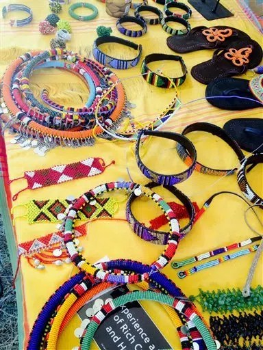 Items with beadwork. Image from http://ow.ly/10a199
