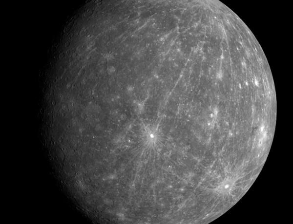 Des scientifiques ont découvert de l'eau sur Mercure !