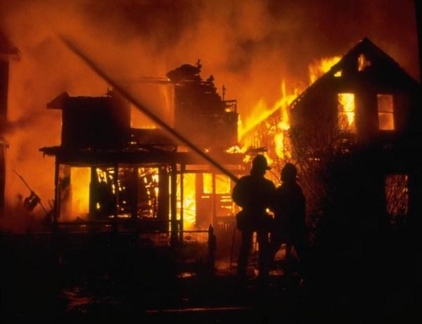 La vidéo du jour #20/01/13: Compilation de la vie d'un pompier!