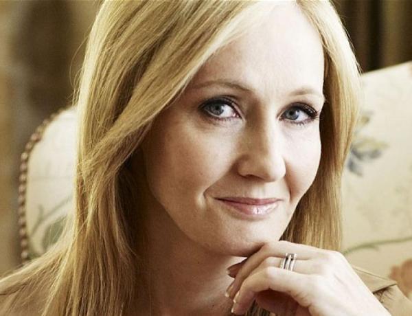 L'homosexualité de Dumbledore critiquée : J.K Rowling répond !