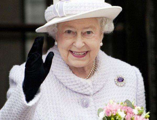 C'est la crise ! Les employés de la reine Elizabeth II menacent de faire grève !