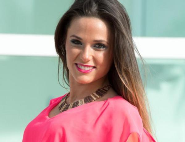 #LeMag : Capucine Anav confirme à demi-mot la grossesse d'Ayem Nour !