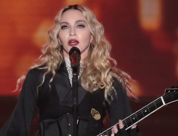 "Attentats à Paris : Madonna reprend ""La vie en rose"" en hommage aux victimes (VIDEO)"