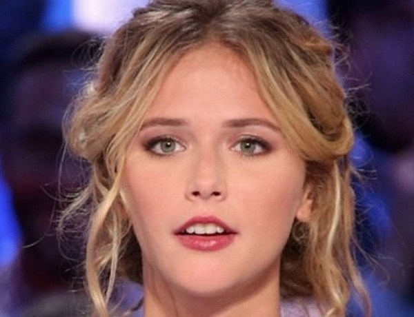 Raphaëlle Dupire balance sur le Grand Journal & traite Enora Malagré de « conne » !