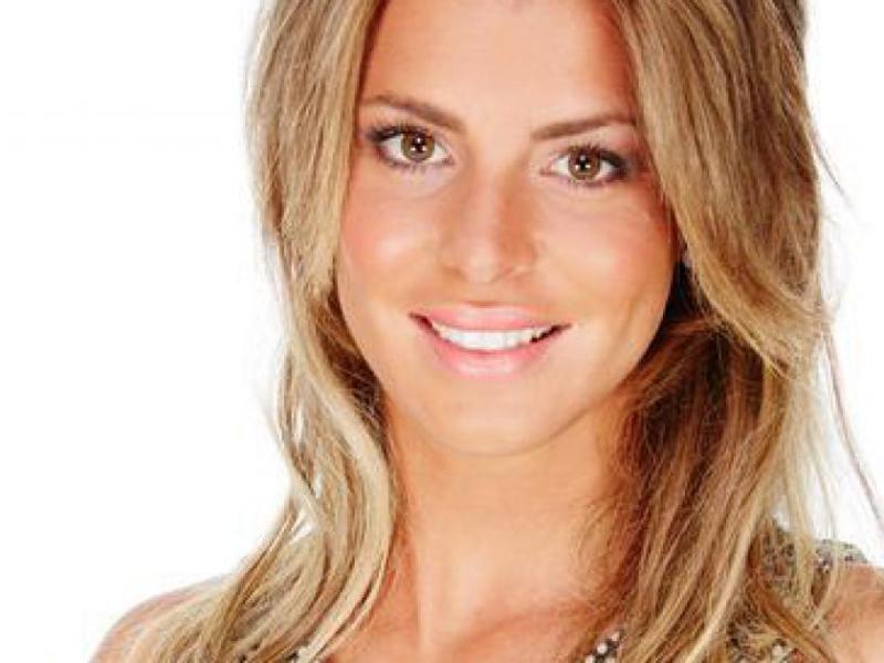 #SS9 : Emilie Fiorelli se ballade en jet privé