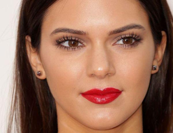 Kendall Jenner se promène seins nus dans les rues de New York