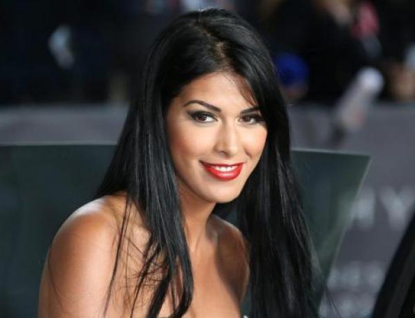 Ayem Nour à la tête d'un patrimoine de 50 millions d'euros ? L'animatrice dément mais…
