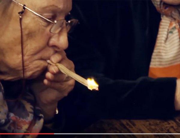 Quand trois mamies fument un joint…