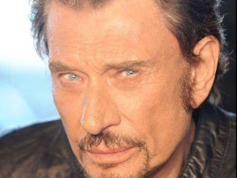 Johnny Hallyday atteint d'un cancer : Il fait un « Fuck » au cancer