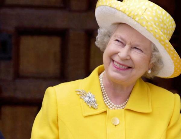 Quand Rihanna incruste Elizabeth II à Coachella… ou presque !