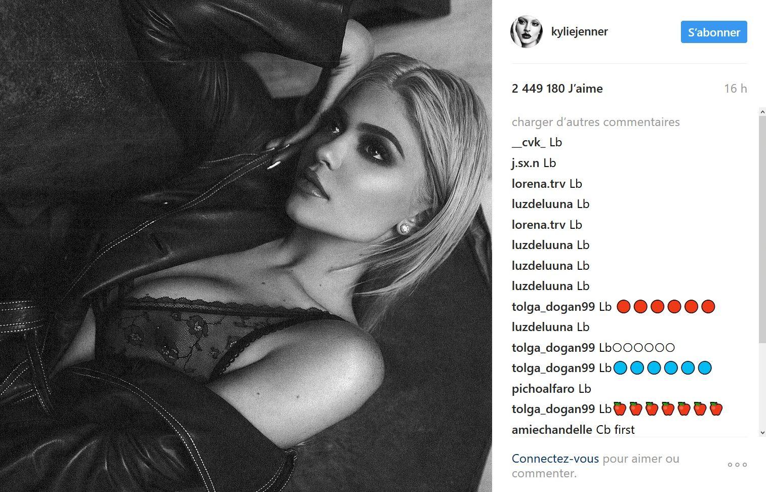 Kylie Jenner : En soutien-gorge transparent, elle dévoile son téton percé sur Instagram !