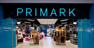 Primark dévoile sa collection de pulls Disney pour Noël ! On craque !