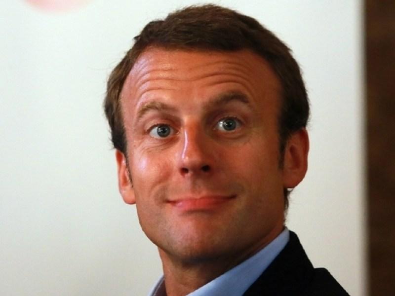 """Emmanuel Macron interpellé par un acteur porno : """"J'attends votre appel !"""""""