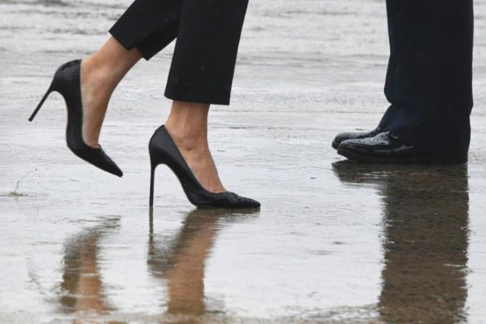 Melania Trump part rendre visite en talons aiguilles aux victimes de l'ouragan Harvey au Texas, le 29 août 2017