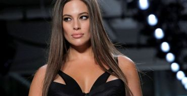 Ashley Graham dévoile la totalité de son fessier !