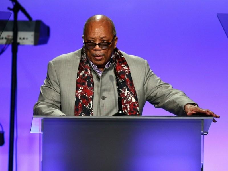 """Quincy Jones accuse Michael Jackson de plagiat sur """"Billie Jean"""""""