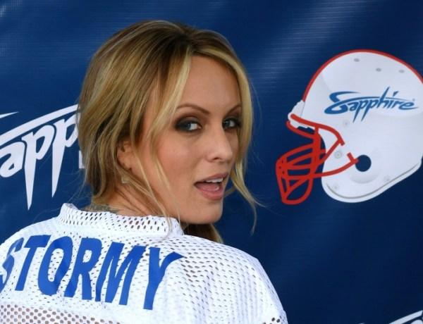 Trump: l'actrice porno Stormy Daniels menace de parler