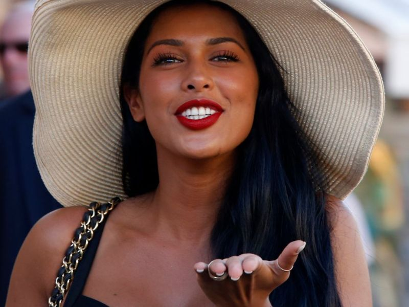 Ayem Nour en petite culotte: Sa nouvelle silhouette amincie fait un carton !