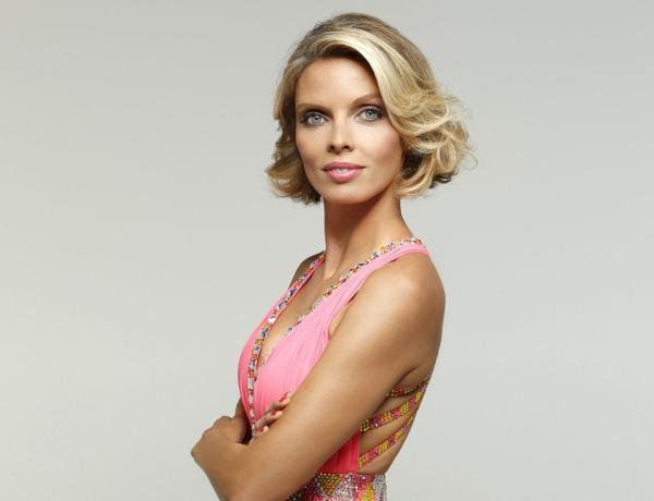 Sylvie Tellier enceinte : La patronne des Miss France dévoile son joli ventre arrondi