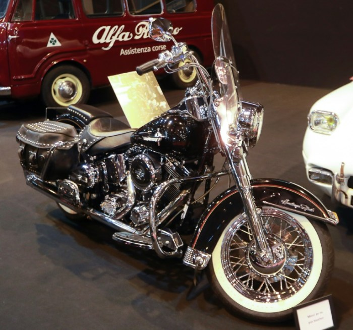Une Harley-Davidson ayant appartenu à Johnny Hallyday exposée à Retromobile, le 6 février 2018 à Paris
