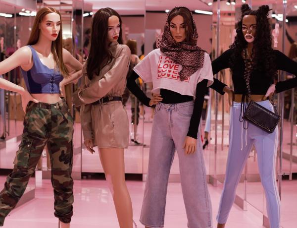 Missguided : La marque de prêt-à-porter pour femmes propose des mannequins vitrines réalistes