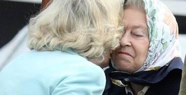 Quand Elizabeth II  taclait Camilla Parker Bowles après «quelques martinis»