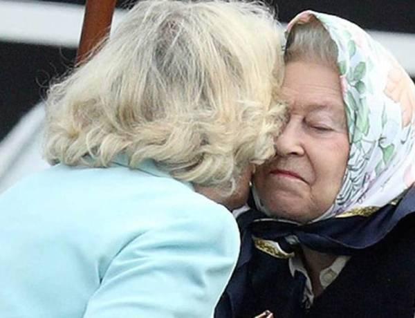 """Quand Elizabeth II  taclait Camilla Parker Bowles après """"quelques martinis"""""""
