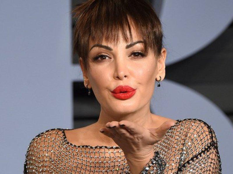Oscars 2018 : La chanteuse Bleona Qereti choque en foulant le tapis rouge… quasiment nue !