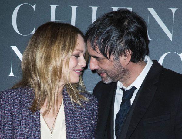 """Vanessa Paradis et Samuel Benchetrit complices et amoureux à l'avant-première de """"Chien"""""""