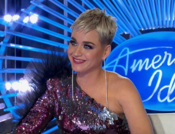Oups ! Katy Perry victime d'un accident vestimentaire très embarrassant en plein direct à la télévision !