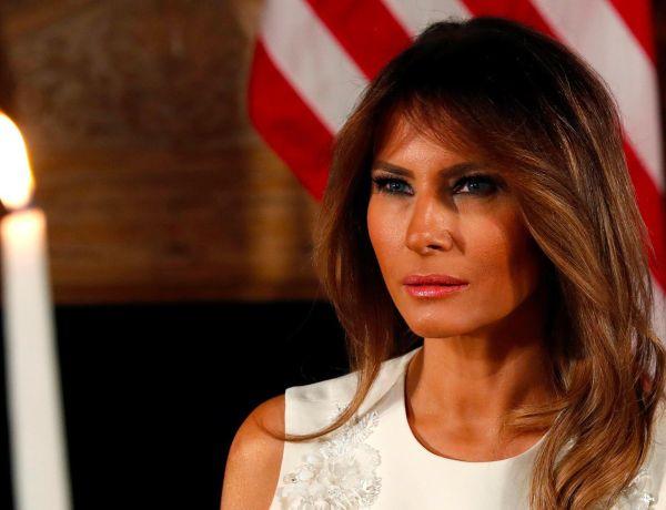 Barack Obama et Melania Trump échangent un sourire complice : Le cliché qui buzze