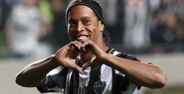 Ronaldinho veut épouser ses deux compagnes !